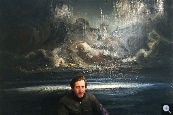 Jean-Marc Dallanegra devant sa dernière toile